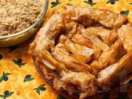 Постен тиквеник за Бъдни Вечер (баница с тиква) с готови кори, орехи и канела за Бъдни вечер - снимка на рецептата